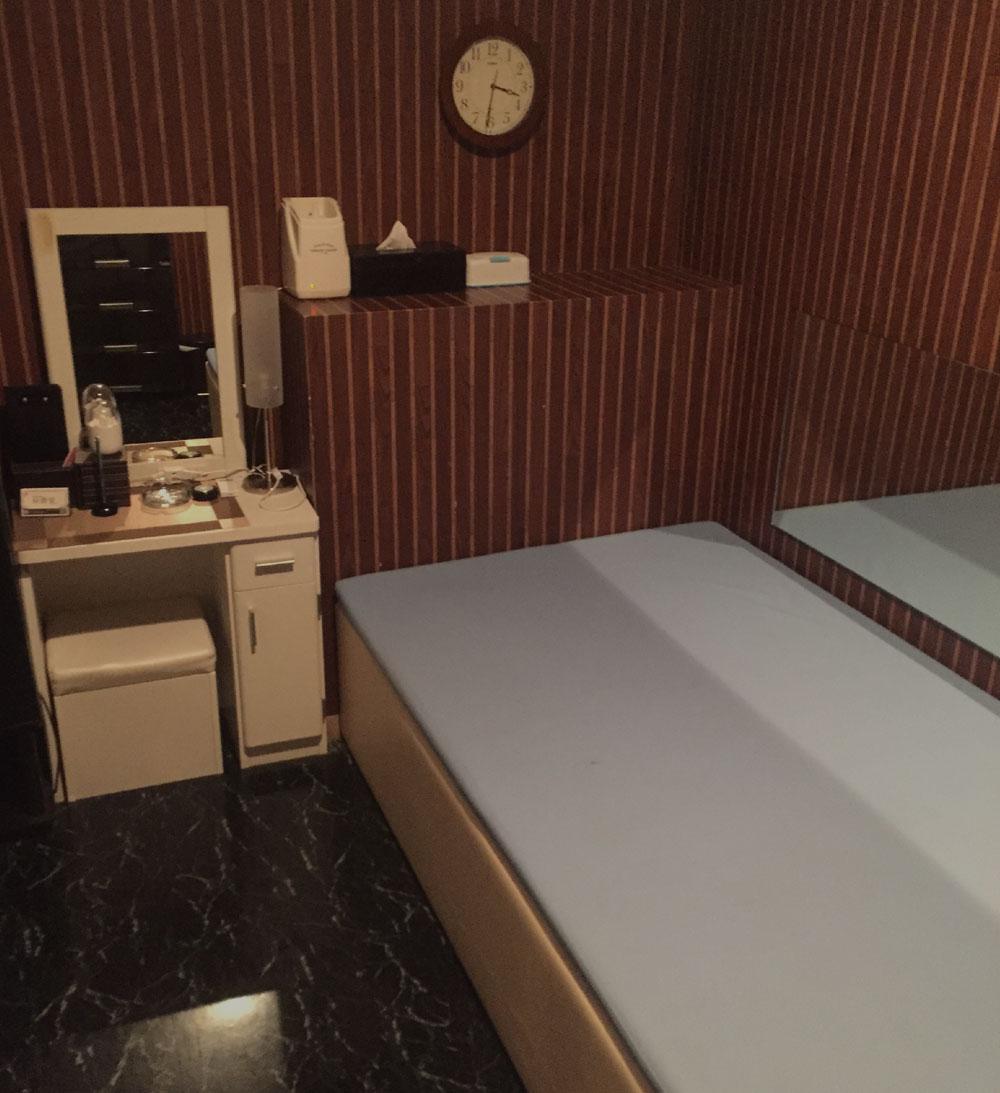 秘書室土浦店の店内写真